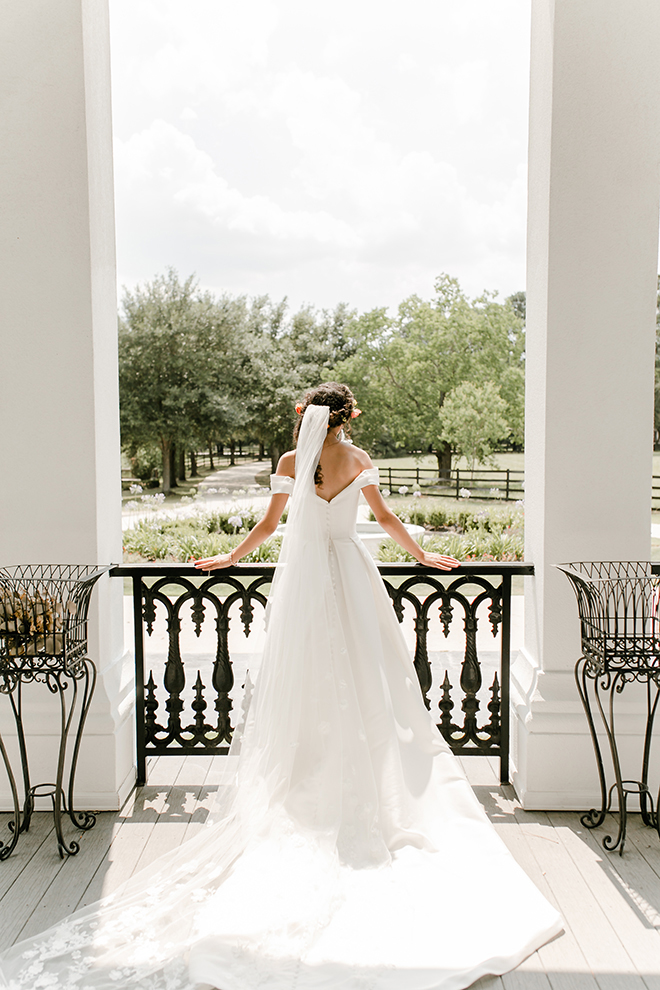 houston, wedding photography, amy maddox, photography, wedding venue, sandlewood manor, samantha's artistry, styled shoot, bridal portrait, wedding dress