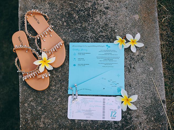 flatlay, travel, explore, wedding, theme, tropical, hawaii