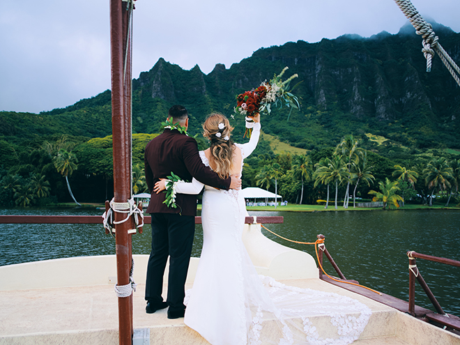 destination wedding, hawaii, wedding, photography, civic photos, videography, meant to be films, tropical, catamaran