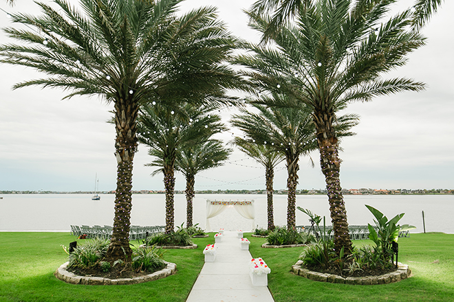 outdoor ceremony, waterfront, clear lake, waters edge, wedding venue, wedding flowers, dream bouquet