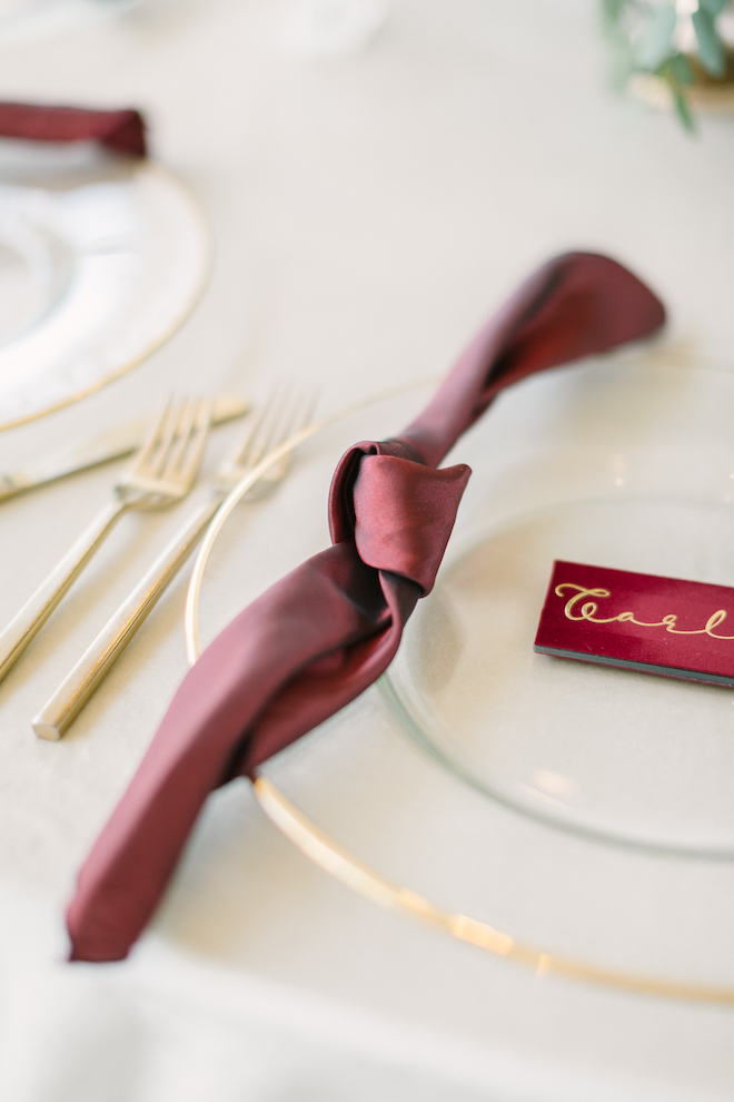 reception decor, eb inc, linens, napkins, velvet, place cards, table setting, kate elizabeth photography