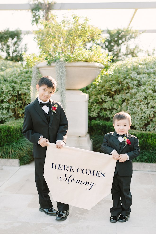 wedding signage, kids in weddings, wedding photography, houston wedding photographer, kate elizabeth photography