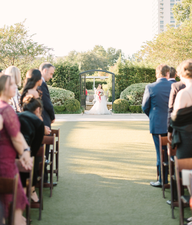 outdoor ceremony, garden wedding venue, wedding photography, houston wedding photographer, kate elizabeth photography