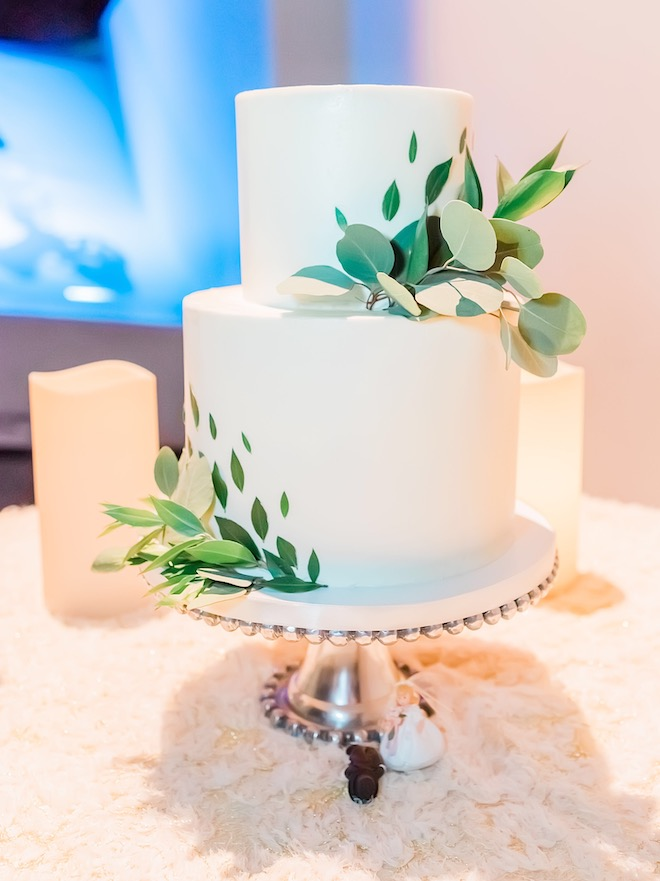small, wedding cake, elopement, micro weddings, leaves, white, common bond cakes