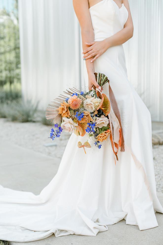 amy maddox photography, outdoor, bridal portrait, orange, texas, bride, wedding photography, brown, tan, flowers, foliage, bridal bouquet, wedding gown, strapless, modern affinity, houston bridal salon