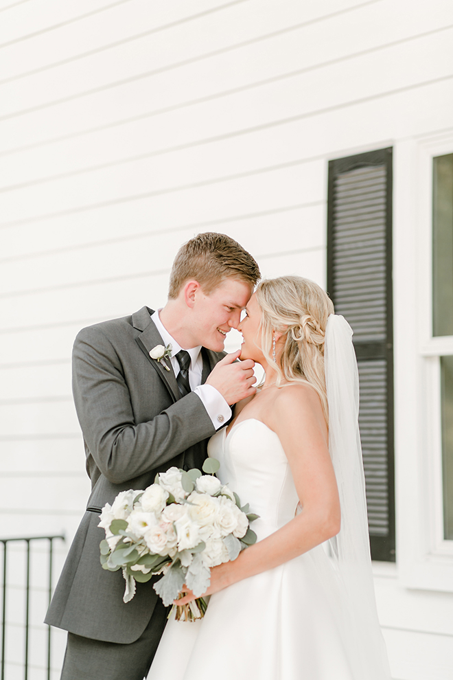 bride, groom, wedding portraits, amy maddox photography, bridal bouquet