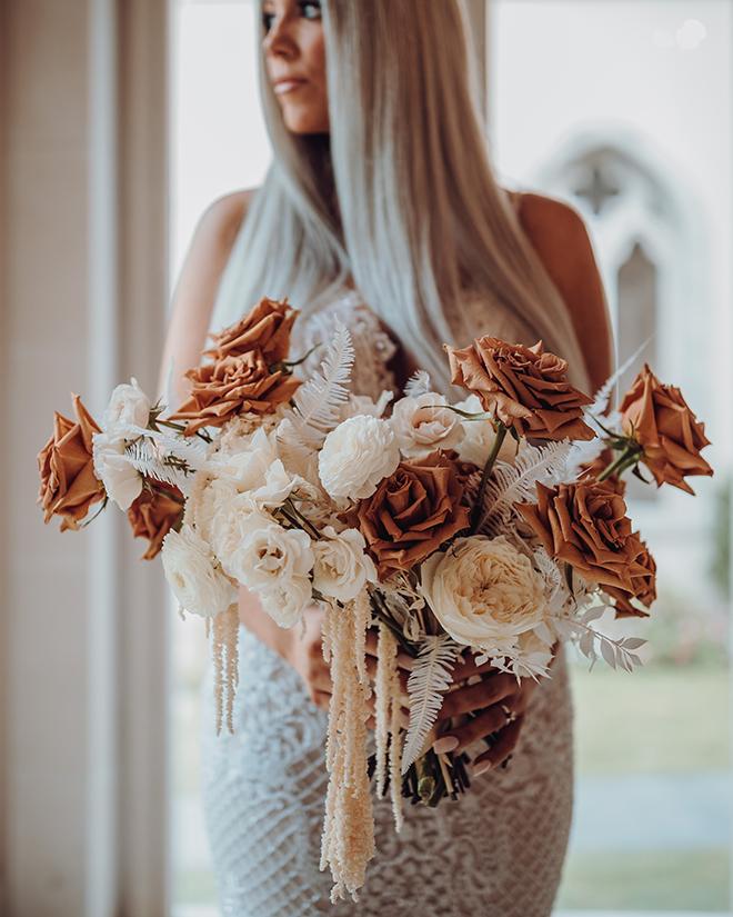 bride, ivory, terracotta, bridal bouquet, bridal ideas, roses