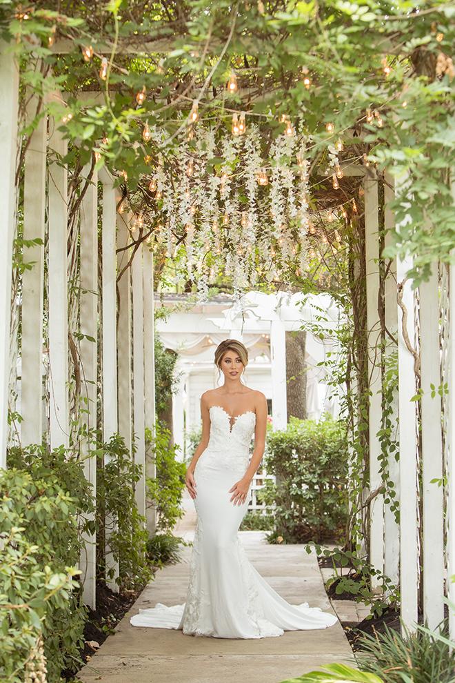 florals, flowers, venue, bridal, wedding gown, hair, makeup, red, orange, pink, heather's glenn, blush makeup artistry, kirksey gregg productions, belle ame bridal
