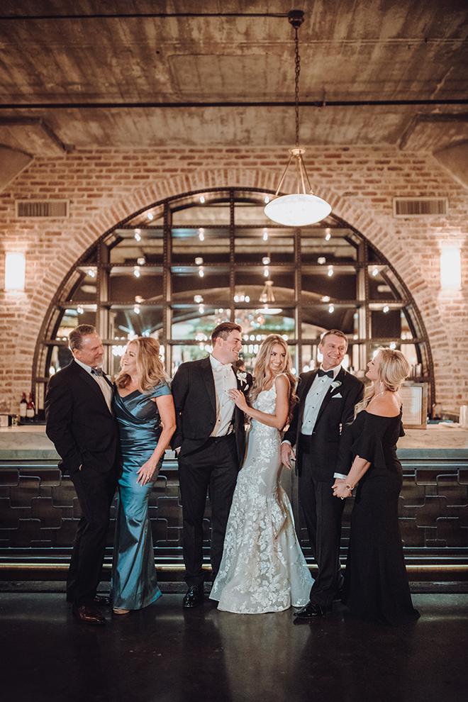 cocktail hour, family, bride, groom, parents, bar, the astorian, ama by aisha