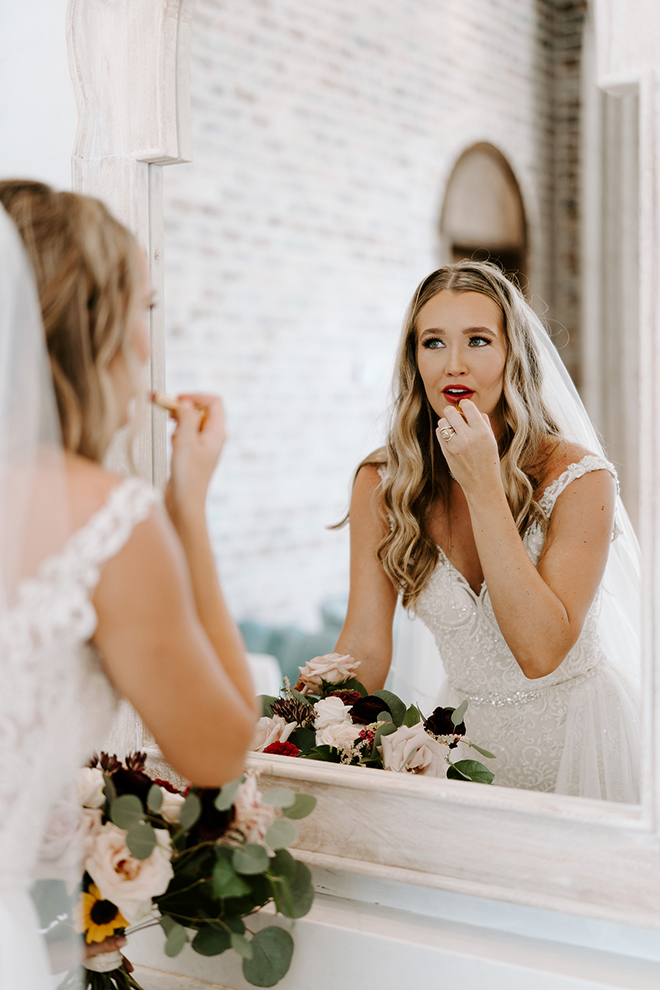 getting ready, bride, bridal suite, wedding photography, wedding shots, wedding moments, wedding makeup, bride, bridal hair, blonde, emily figurelli photography