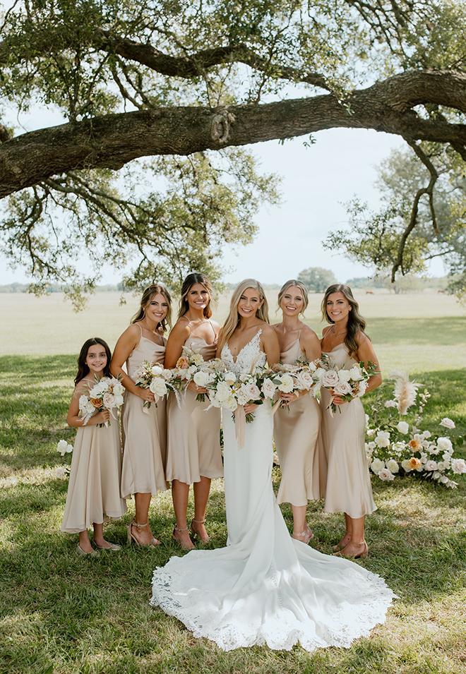 silk, bridesmaids dresses, champagne, neutrals, bridal party, bride tribe, bridesmaids photo, outdoor ceremony