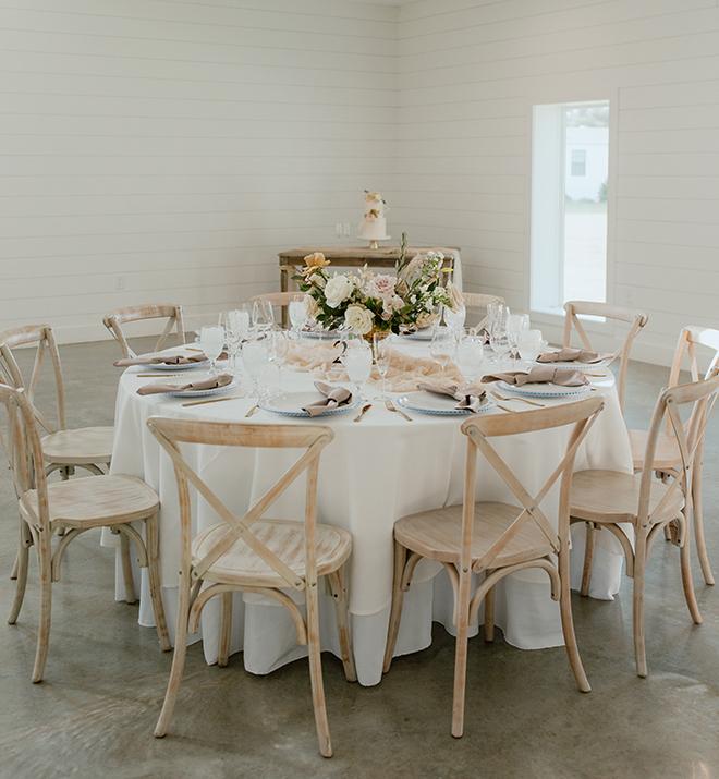 reception decor, sheer runner, champagne, modern, boho, wedding, floral centerpiece, white linens