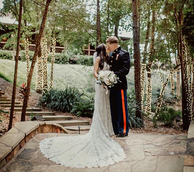 bride, groom, marine's, bridal gown, bridal bouquet, bride and groom portraits, outdoors, big sky barn