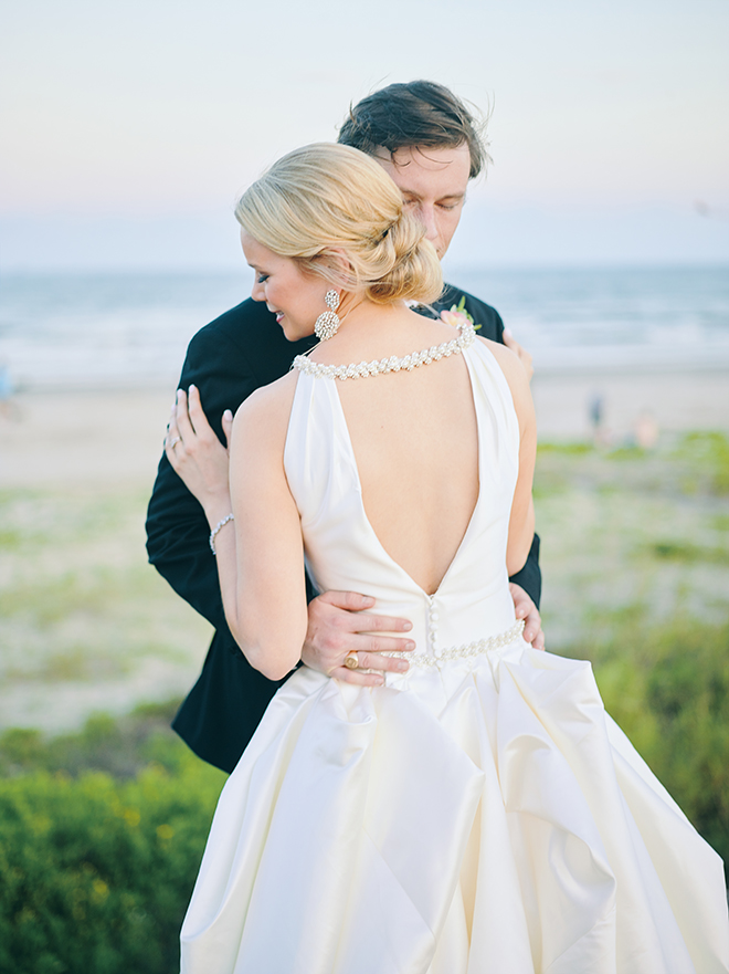 bride and groom portraits, hotel galvez, galveston, venue, historic, bridal gown, beach, waterfront