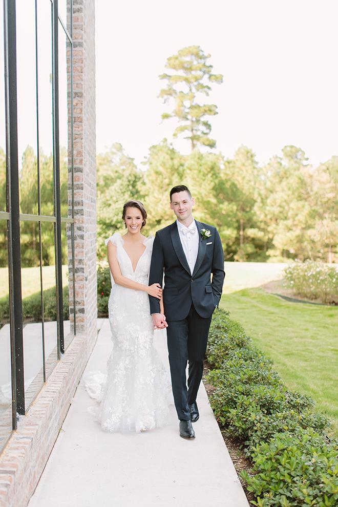 white roses, greenery, iron manor, plants n petals, plants n petals, bride and groom portraits