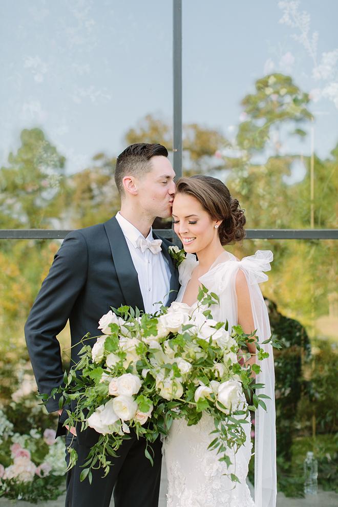 white roses, greenery, iron manor, plants n petals, plants n petals, bride and groom portraits, bridal bouquet