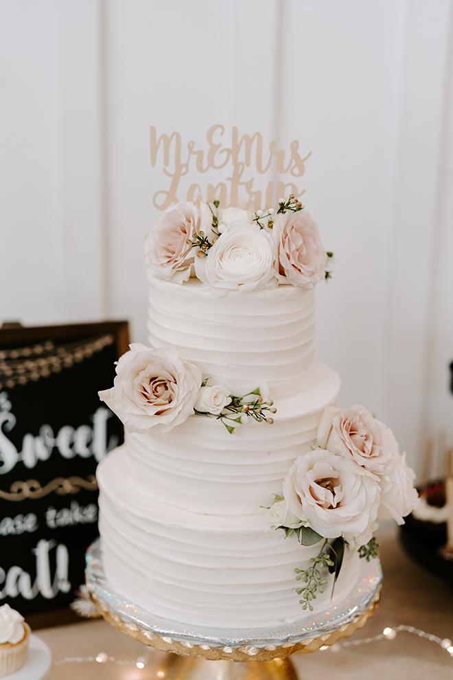 wedding cake, classic, flower details, roses, mr, mrs, white, elegant
