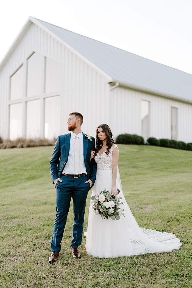 bridal gown, bride, groom, emily figurelli, houston photographer, groom's suit, navy, blue