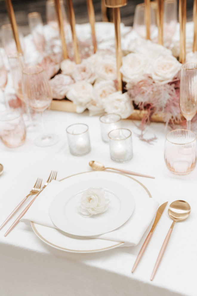 tablesetting, tablescape, blush, gold, mauve, white, metallic, linen, rose, ballroom, reception, Four Seasons Hotel Houston