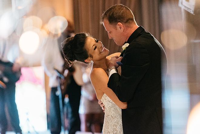 first dance, bride, groom, romantic