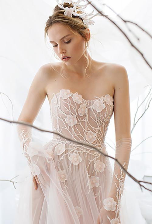 Joan pillow bridal salon designer gown sample sale for Wedding dress sample sale houston