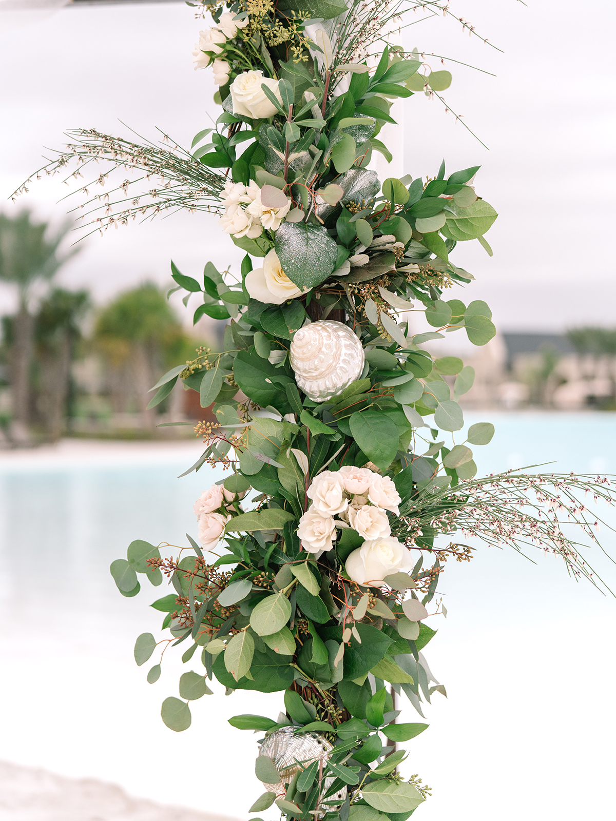 beach wedding floral ideas