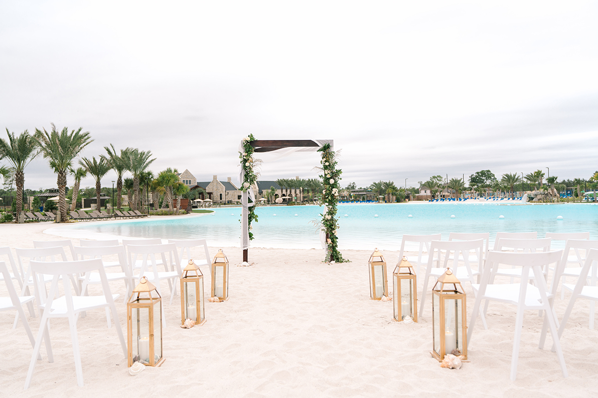 beachfront wedding decor
