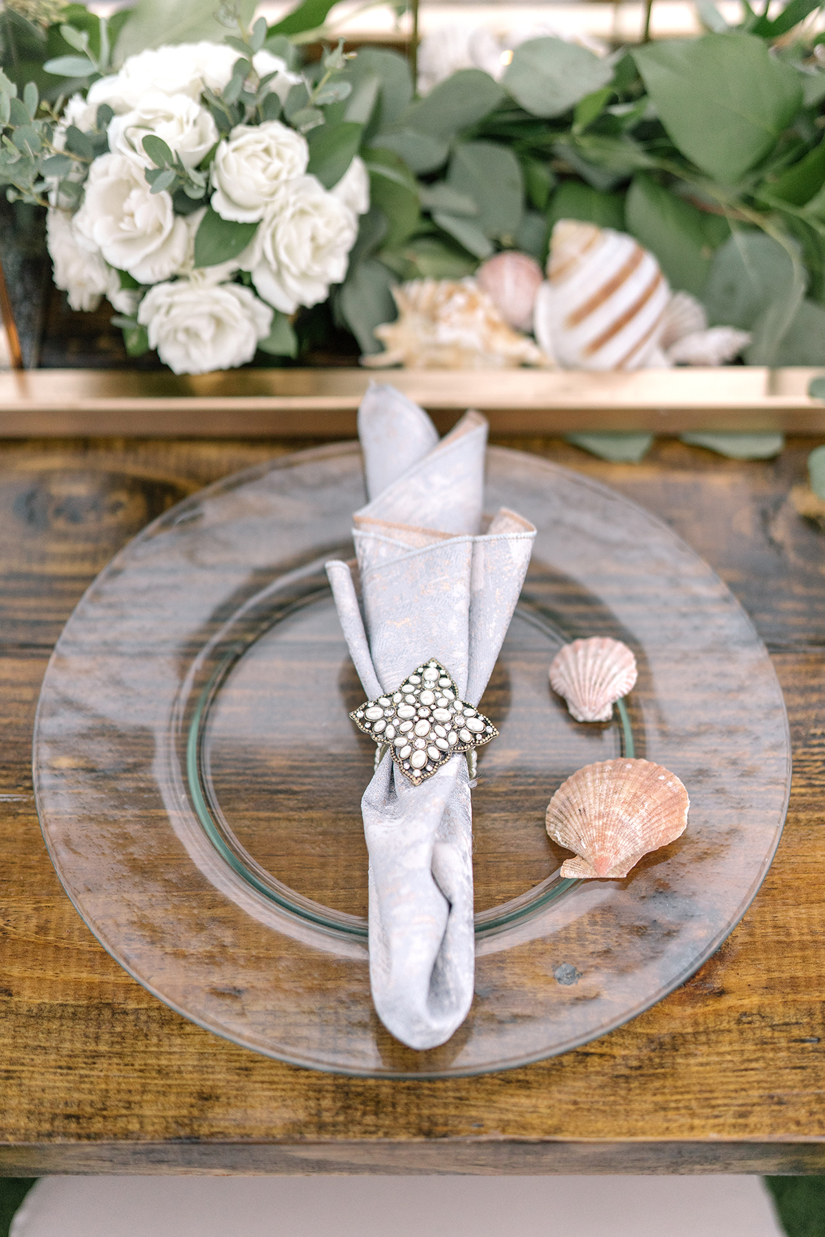 beach table setting for weddings