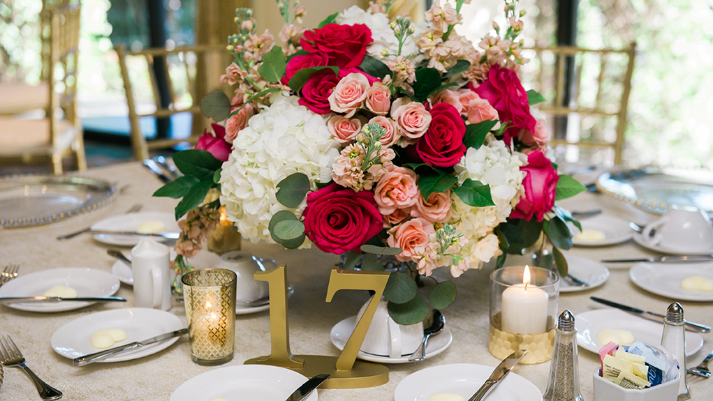 houston wedding, hotel wedding, floral centerpiece, pink, roses, tablescape