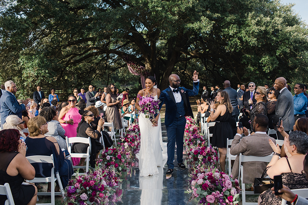 outdoor wedding ceremony - sandlewood manor