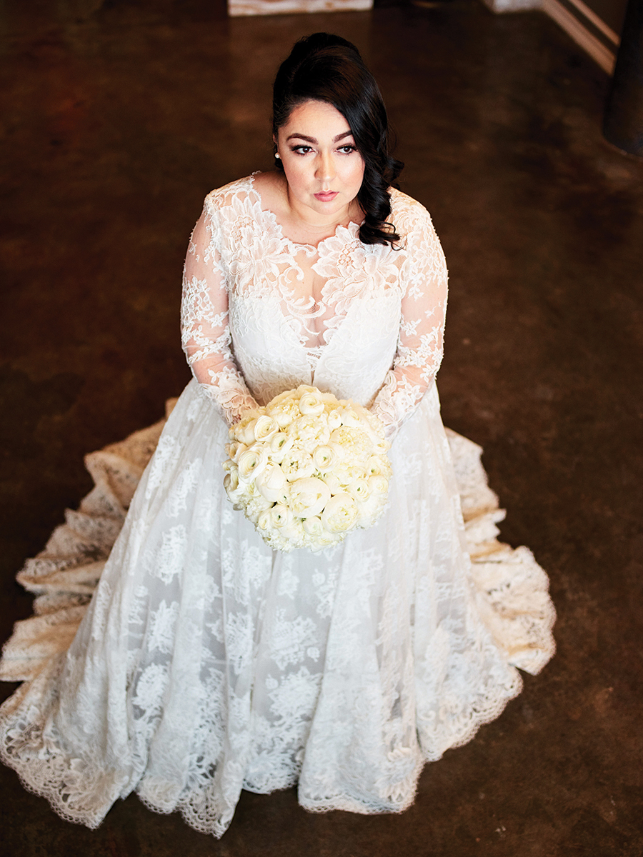 long sleeve wedding dress - lace - bridal portrait