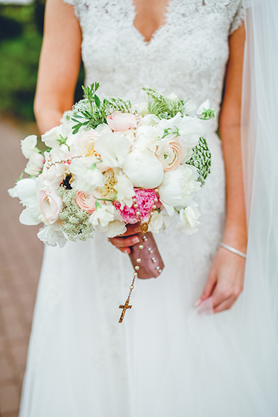 florist, bouquets, wedding, arrangements, lush, bridal, tent wedding,