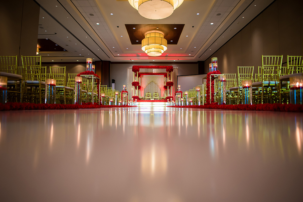 wedding ceremony, houston, westin memorial city, red, gold, south asian, elegant wedding ceremony
