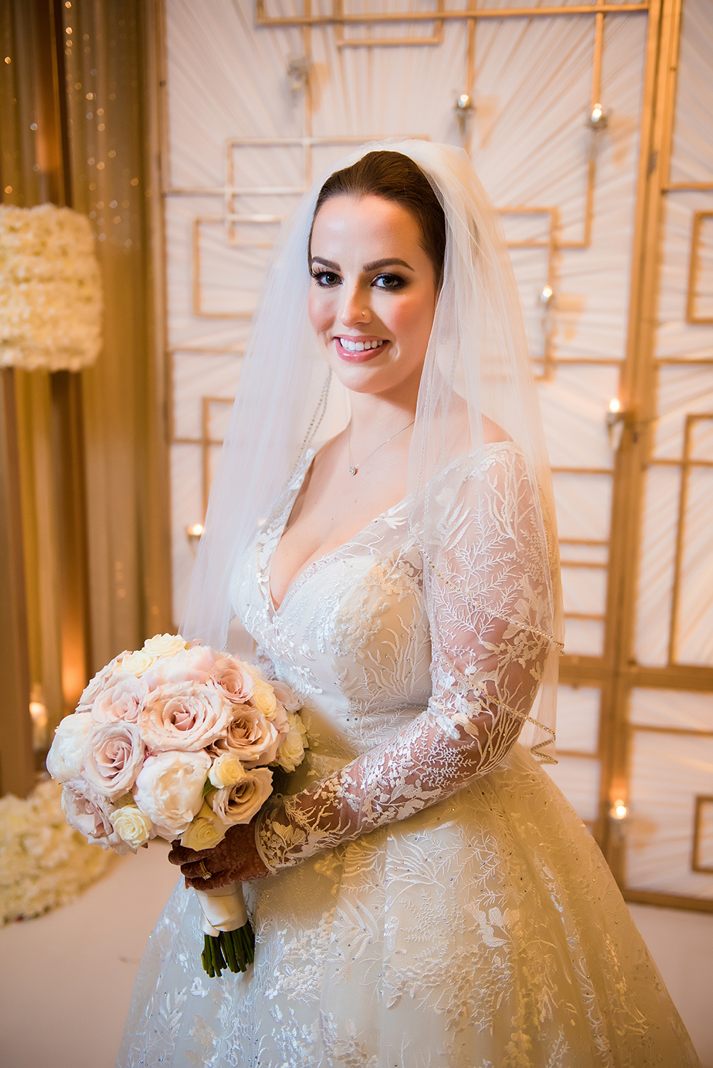 bridal portait photography, bouquet, hotel ceremony, fusion wedding