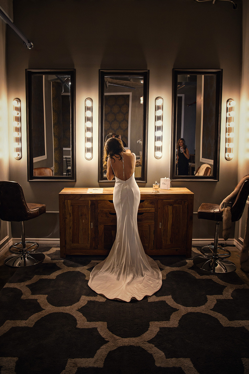 houston wedding, bride, getting ready, wedding dress, gown