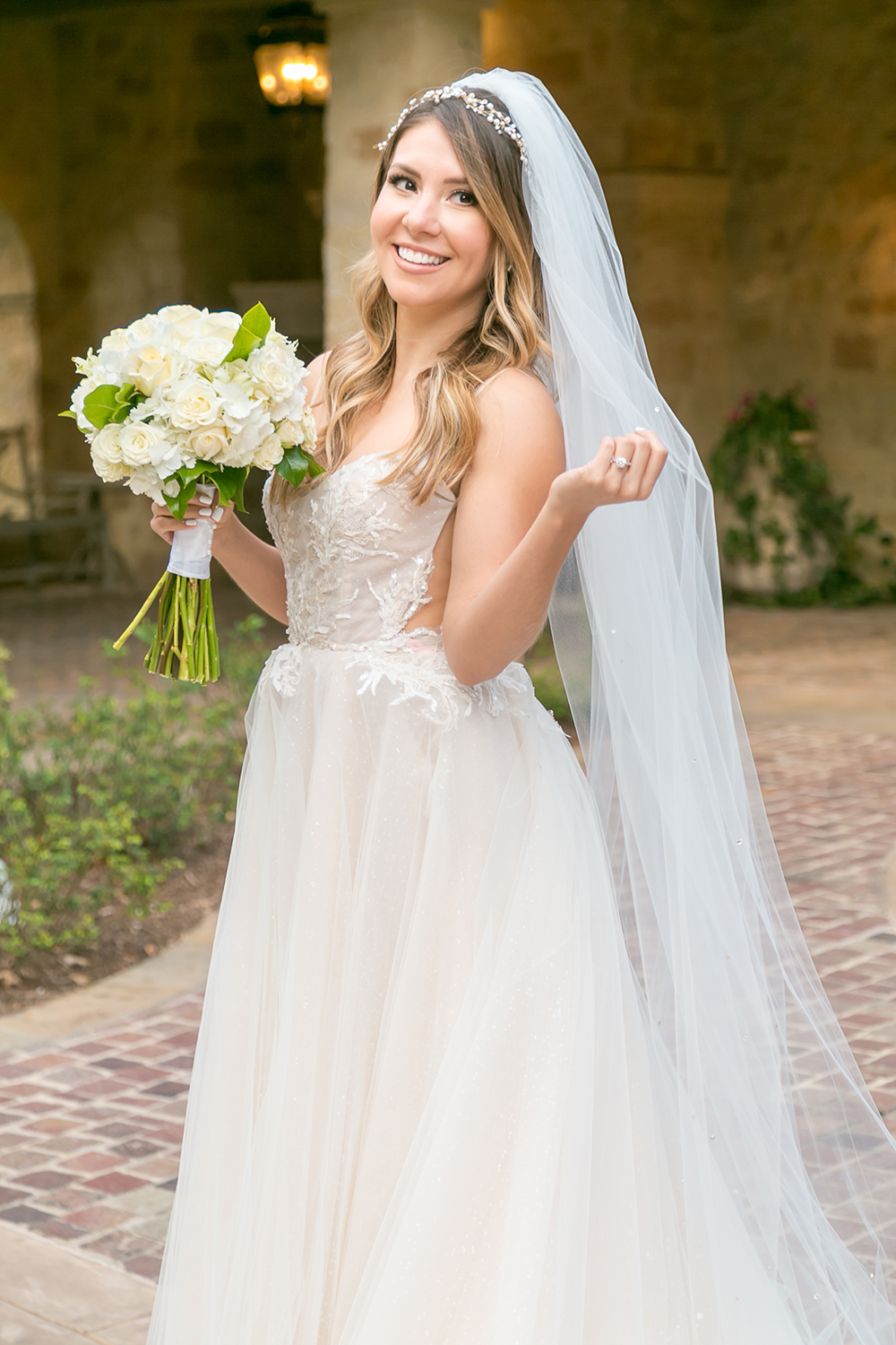 bridal photography - long wedding veil