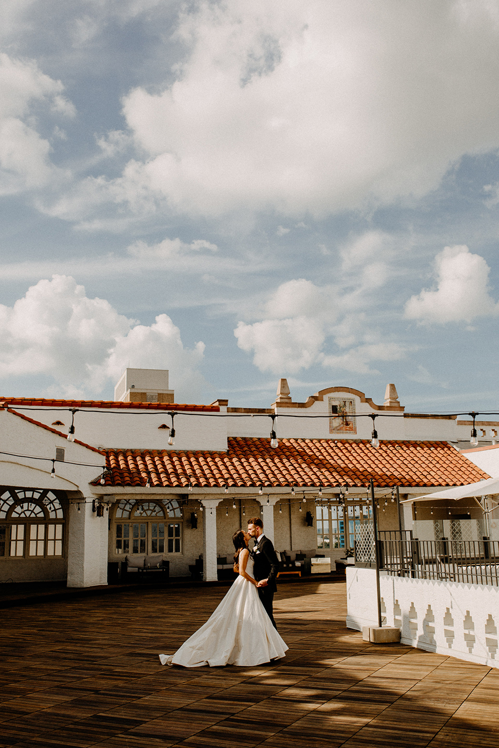 hotel wedding - venue - St. Anthony Hotel