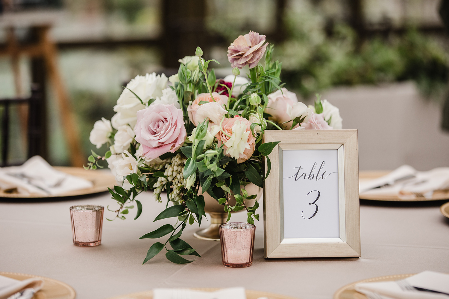 table decor - flowers - simple