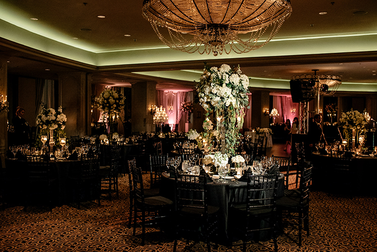 houston wedding, hotel zaza, wedding decor, white, black, tablescape, floral centerpiece