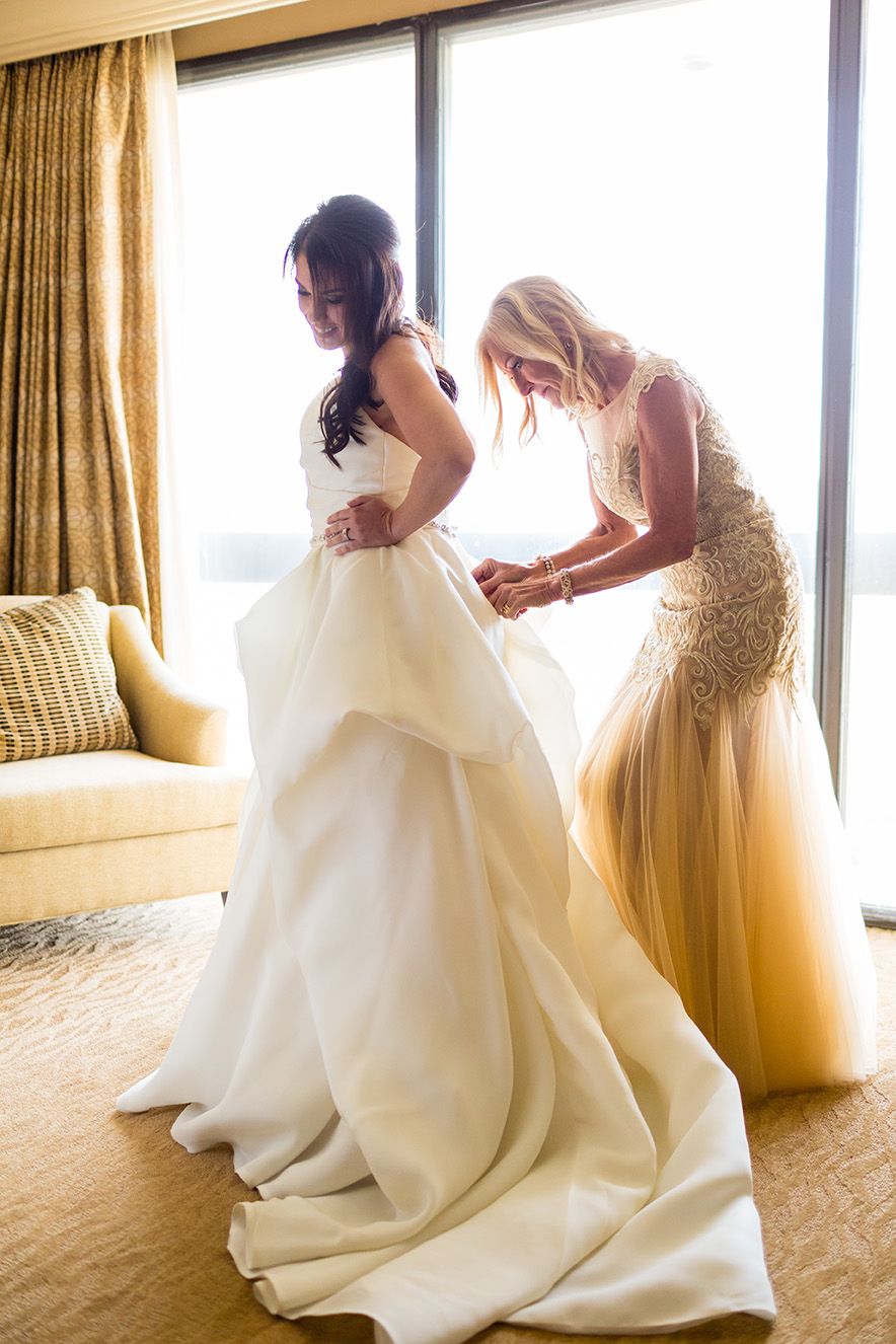 houston wedding, getting ready, bride, wedding gown, mother of the bride