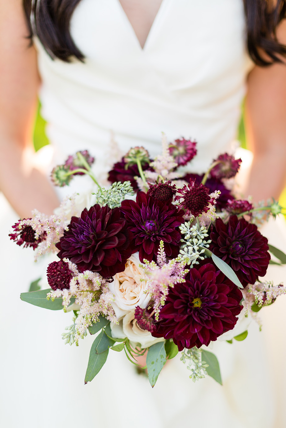 houston wedding, bridal bouquet, wine, bride