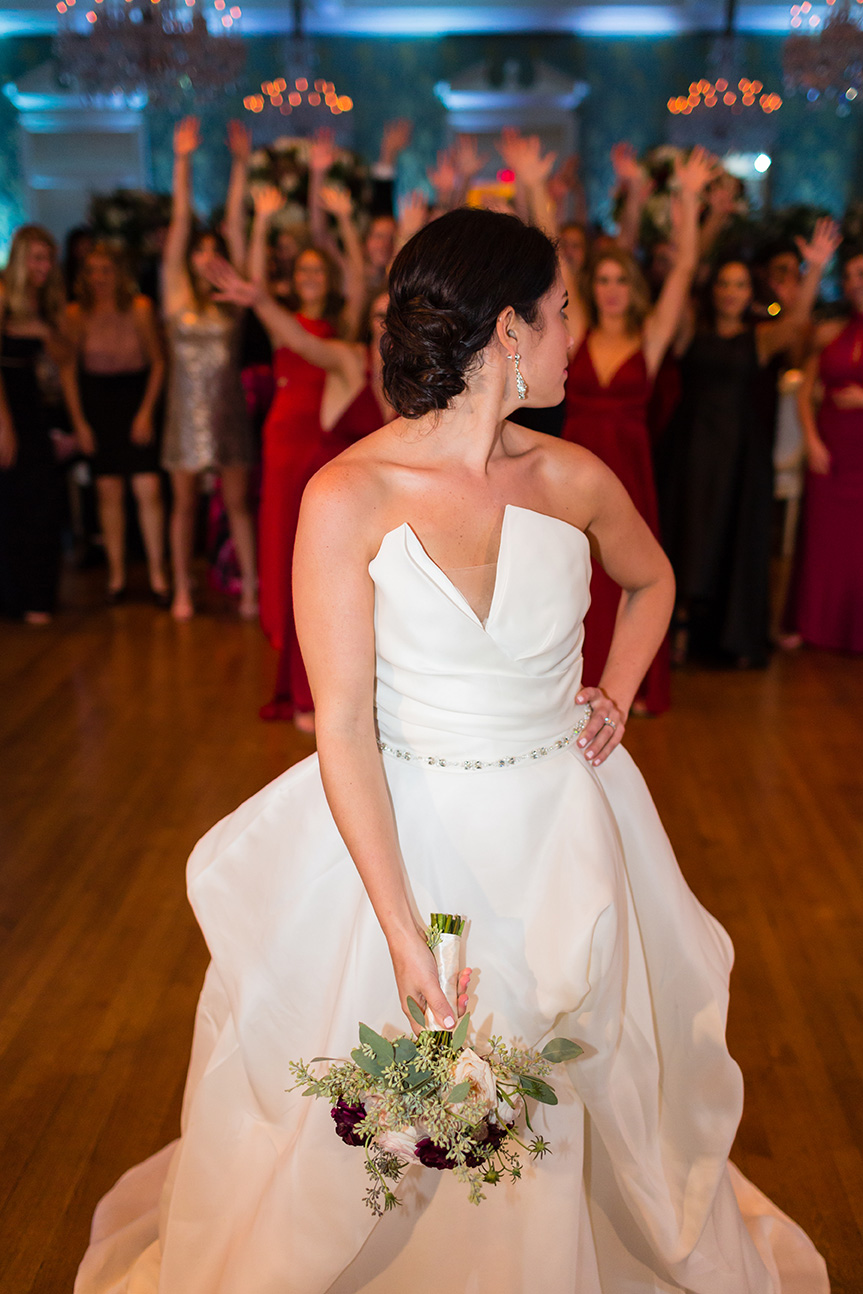 houston wedding, bride, bouquet toss