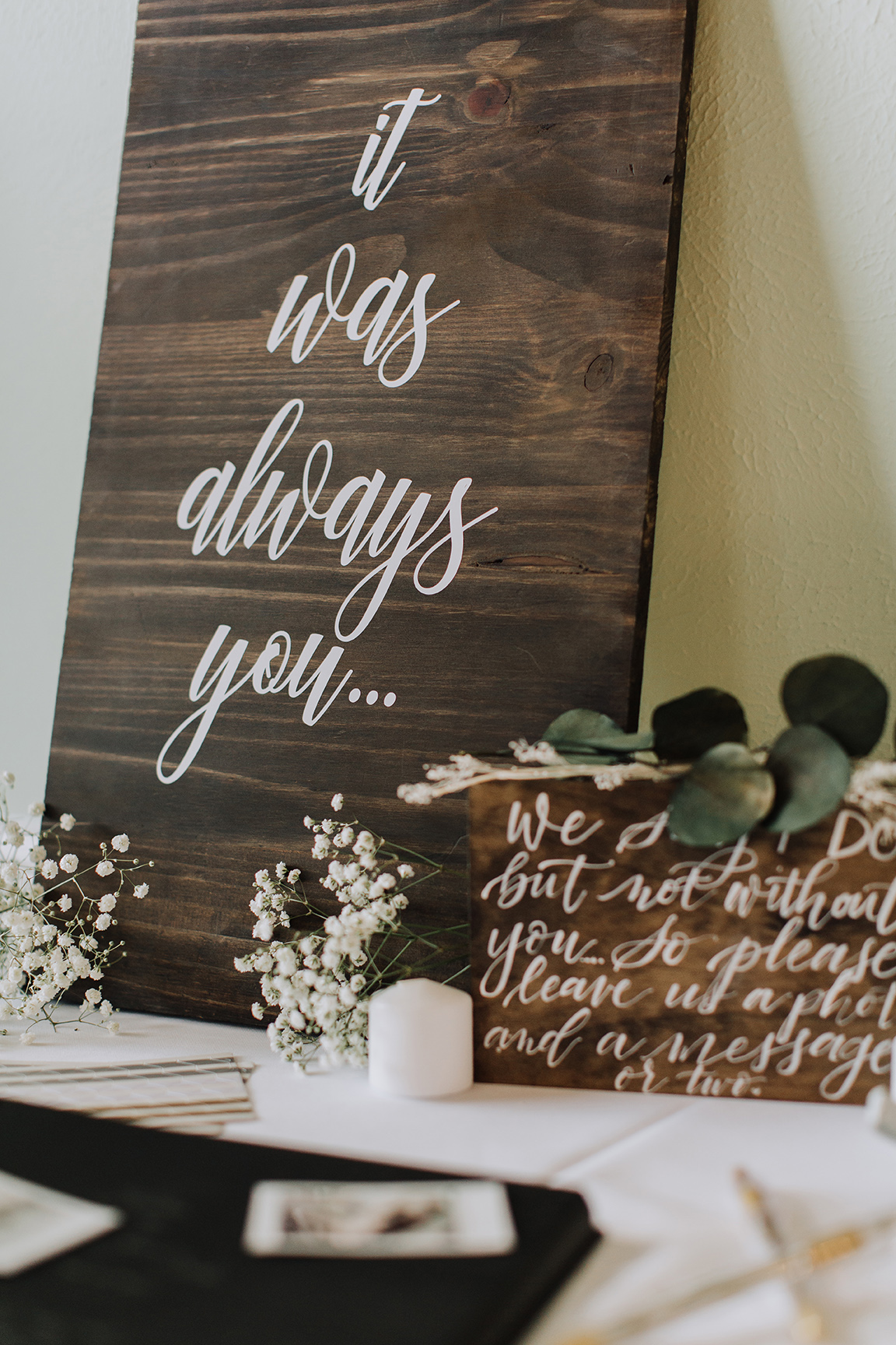 welcome sign, wedding decor, rustic, real wedding, wedding inspiration