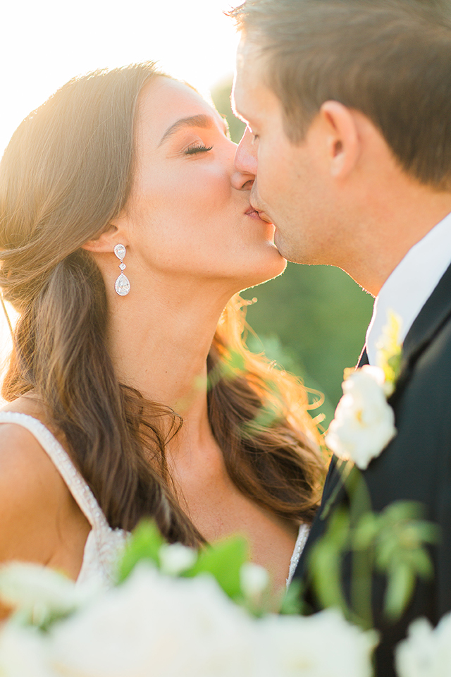 houston wedding, wedding photography, kiss