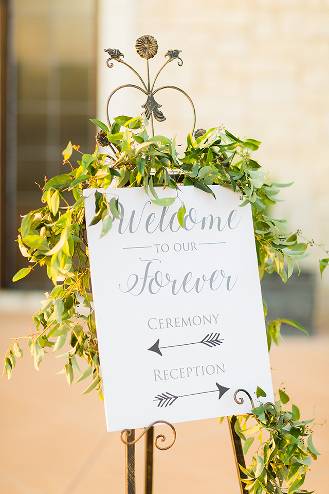 houston wedding, welcome sign, greenery, ashton gardens