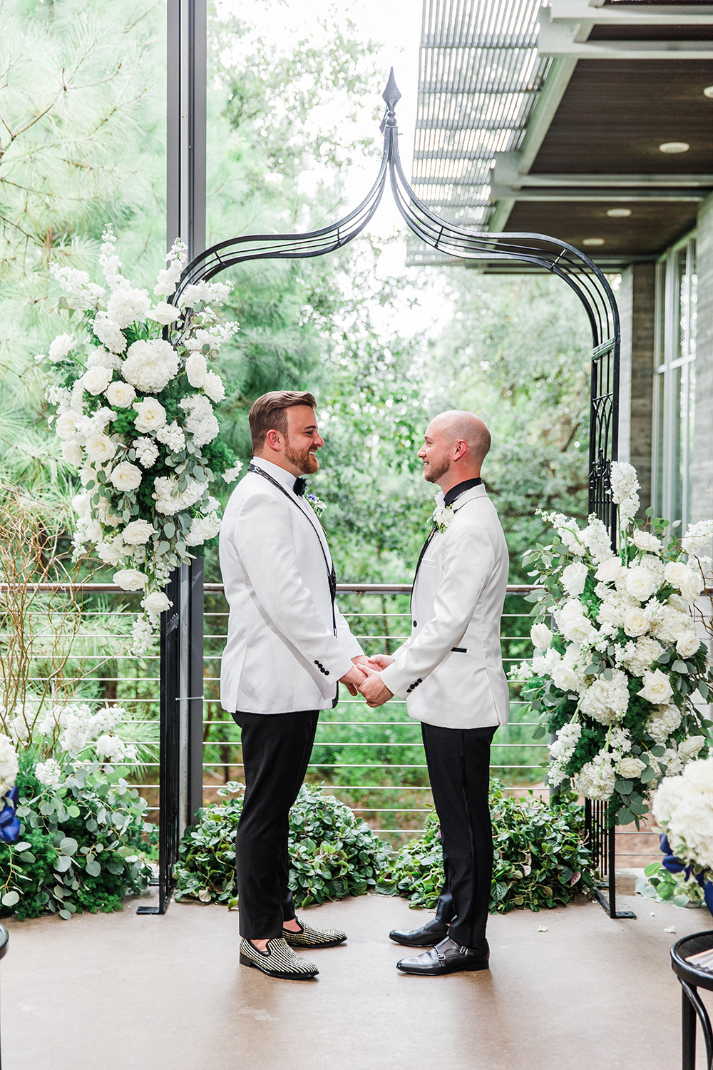 wedding ceremony decor - same sex - mr & mr - grooms