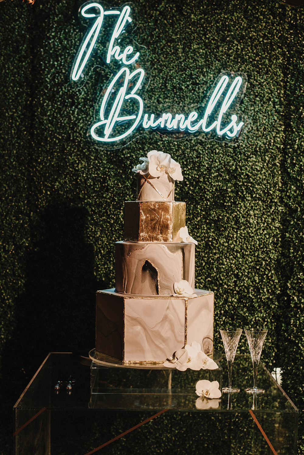 Susie's cakes - wedding cake - neon sign