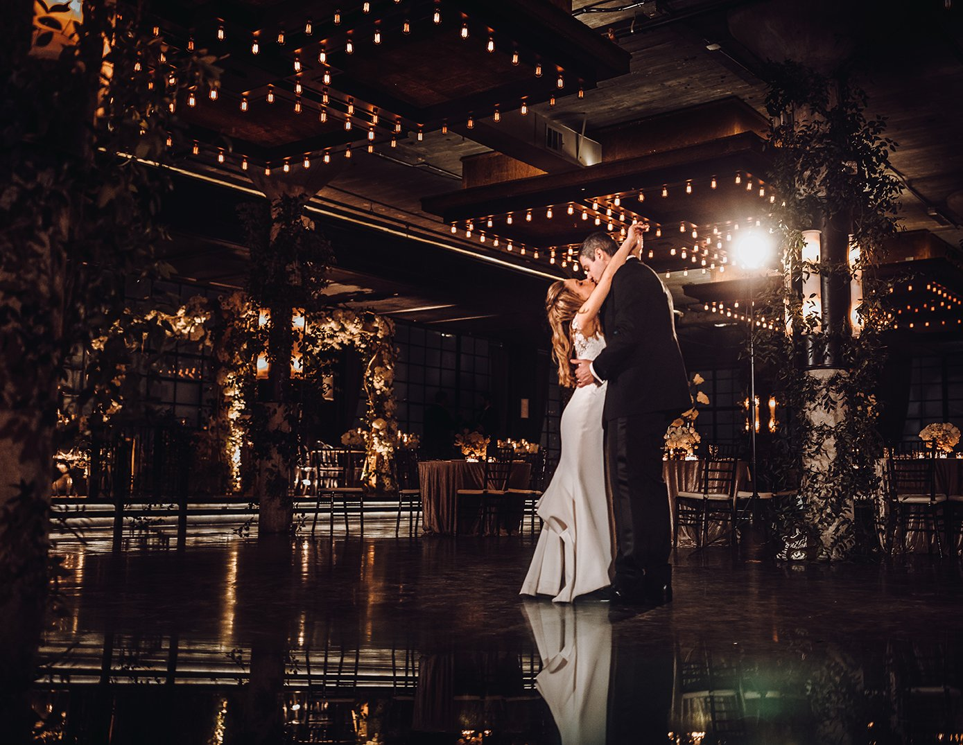couple, last dance, newlyweds, houston wedding, The Astorian