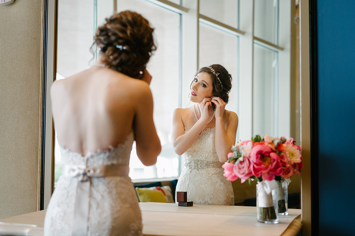 houston wedding, bride, getting ready