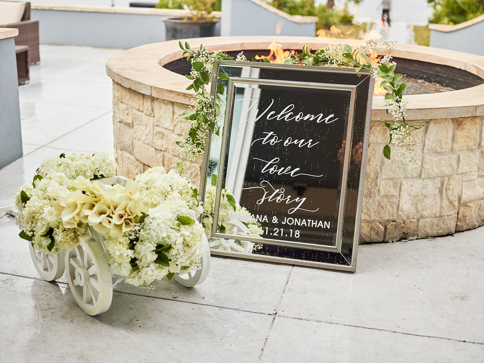 cute ideas for outdoor wedding ceremony - signage - mirror, flowers